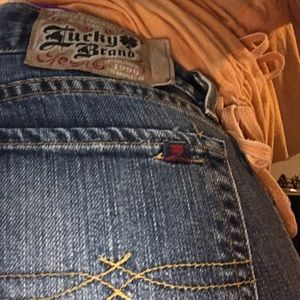 Lucky brand jeans size 4/27 long 🍀